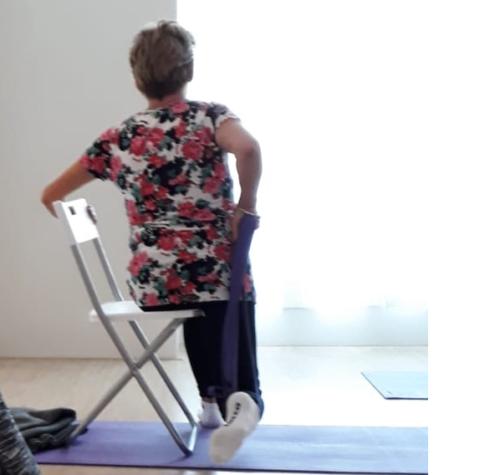yoga utrecht, Dananda yoga, stoelyoga, seniorenyoga